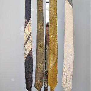 Vintage Tie Set of four 1950s skinny mens ties